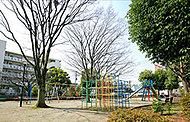 区立保木間四丁目児童遊園 約370m(徒歩5分)