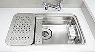 ワイドシンクに調理プレートや水切りプレートを設置。広い作業スペースを確保し、効率的な調理を実現します。