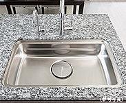 3層の立体的なシンクで、「洗う」「調理する」「片付ける」を効率的に行えます。(A、B、C、D、E、Fタイプ)