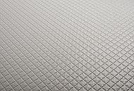床がカラリと乾くので、滑りにくいうえにカビの発生源である浴室に残った水滴や水たまりをカット。カラリとすれば汚れも付きにくく、清潔に保てます。