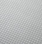 床表面に刻まれたパターンが水の流れを誘導します。水の表面張力を壊すことで確実な排水を実現します。
