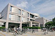 世田谷区立図書館 約380m(徒歩5分)