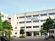 市立舞岡中学校 約30m(徒歩1分)
