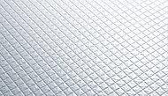床表面に刻まれたパターンが水の流れを誘導します。水の表面張力を壊すことで確実な排水を実現。