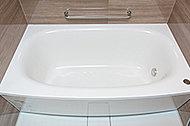 発泡ポリスチレン断熱材を使用。5.5時間たっても約2.5℃しか下がりません。一度お湯を入れれば、長時間ぬくもりをキープします。