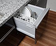 いろんな食器がセットしやすいスマートカゴを搭載して、セット前の種類分けもラクに。家事負担を軽減します。