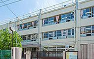深川第二中学校 約1,110m(徒歩14分)
