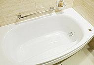 手洗いに比べ、節水でき、高温洗浄で油汚れもスッキリ。いろんな食器がセットしやすいスマートカゴを搭載しました。
