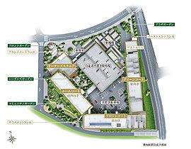 敷地内には4つの個性的なガーデンを配置。独立した共用棟である「オーナーズスクエア」には、美しい中庭を望むラウンジやライブラリー、パーティーラウンジやサウンドシアタールームなどをご用意。また、駐車場は日常的に使いやすい平置きを採用。