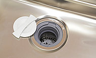 生ゴミを粉砕して処理できるディスポーザーを設置。ゴミ出しを軽減。※一部処理できない生ゴミ及び使用できない洗剤があります。