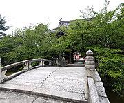 笠寺観音 約800m(徒歩10分)