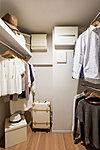 コートやスーツをはじめ、オールシーズンの衣類や旅行鞄などもゆったりと収納でき取り出しもスムーズです。