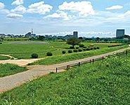 多摩川緑地 約1,450m(徒歩19分)