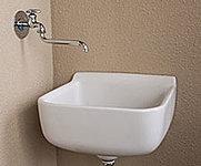 ガーデニングの水やりや泥の付いたスニーカーの洗濯、バケツの水汲みや清掃などに便利です。