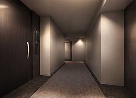 各住戸へアプローチする共用廊下は、カーペット敷きの内廊下設計を採用。まるでホテルのような上質なしつらえが高級感を演出します。また、共用廊下側には窓を設けておらず、プライバシー性や防犯性にも配慮。