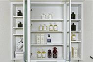 化粧品やヘアケア用品など、すっきり収納。
