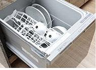 シンク下だから食器が入れやすく、水滴を垂らさずに出し入れ可能。手洗いに比べて消費水量も減らせます。
