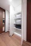 生活用品などの収納に重宝する、使い勝手の良い物入。収納スペースが増えることで、すっきとした室内空間が保てます。