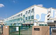 名古屋市立久方中学校 約610m