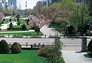 大通公園  約720m(徒歩9分)
