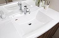 洗練されたデザインのボウル一体型天板。天板とボウルとの間に継ぎ目や隙間がないので水垢などがたまりにくく、お手入れも簡単です。