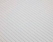 浴室の床面は、水はけが良く乾きやすく、滑りにくいフラッグストーンフロアを採用。お手入れのしやすさにも定評があります。