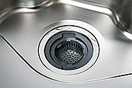 熱や衝撃に強く、軽い汚れはサッとひと拭きするだけでお手入れ簡単なガラストップです。