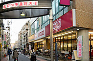 亀戸五丁目中央通り商店街 約450m(徒歩6分)