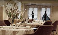 アムール(フレンチレストラン) 約840m