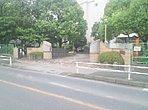 辻小学校約300m(徒歩4分)