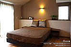 [4号地 内観]平成25年1月撮影 ※写真内の家具は販売価格に含まれますが、調度品は価格に含まれません。