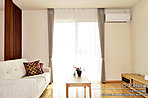 [C-13号地 内観写真]平成27年11月撮影 ※写真内の家具・調度品は販売価格に含まれます。