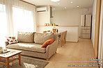 [10号地 内観]平成28年1月撮影※写真内の家具・調度品は価格に含まれません。