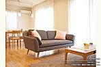 [2号地 内観]平成28年8月撮影※写真内の家具・調度品は価格に含まれません。