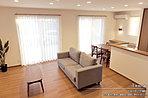 [1号地 内観]平成28年10月撮影 ※写真内の家具・調度品は価格に含まれません。