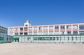 大山田東小学校(約1,080m:徒歩14分)