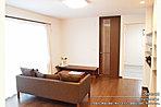 [3号地 内観]平成28年1月撮影※写真内の家具は価格に含まれますが、調度品は価格に含まれません。