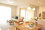 [A号地 内観]平成28年2月撮影 ※写真の家具・調度品は価格に含まれません。
