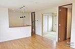 [F号地 内観]平成28年12月撮影 ※写真の家具・家電・調度品は価格に含まれません。