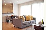 [7号地 内観]平成28年7月撮影※写真内の家具・調度品は価格に含まれません。