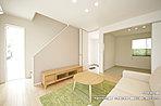 [4号地 内観]平成28年8月撮影 ※写真の家具・調度品は価格に含まれません。