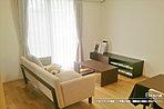 [B号地 内観]平成28年9月撮影 ※写真の家具・調度品は価格に含まれません。