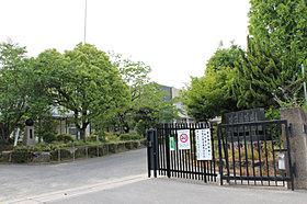 市立三山木小学校 (約2,500m)