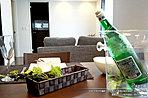 [6号地 内観写真]平成28年4月撮影 ※写真内の家具は価格に含まれますが、調度品は価格に含まれません。