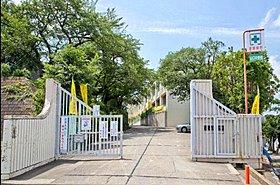 所沢市立山口中学校まで徒歩14分(1093m)