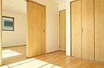 C街区1号棟、LDK室内写真!LDKと和室を合わせると18.4帖の大空間!