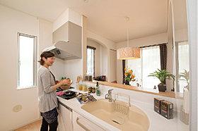 ハイシーリング対面式キッチンイメージ
