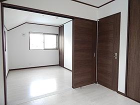 洋室を繋げて一間にしたいなど部分的な間取り変更も可能です。