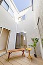 <ワンズコート/施工例> 天空から降り注ぐ光を柔らかに室内に取り込む「中庭のある家-ワンズコート-」 家族だけのプラスアルファ空間を楽しめる1棟
