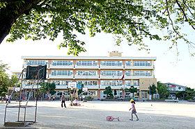 <北本市立西小学校/約850m>